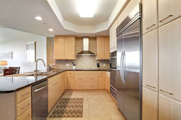 3 BR @ Caribe - The Best Amenities