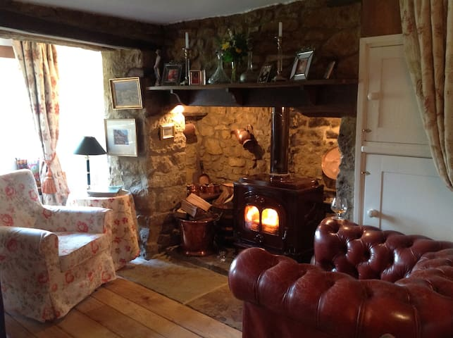 Robins Cottage Traditional Cotswold Hideaway - Swerford - Casa