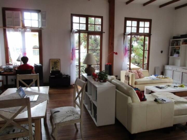 Loft en Barrio Yungay-segundo piso de casa antigua