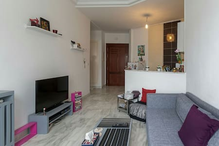 S+1 meublé dans un quartier calme - tunis - Wohnung