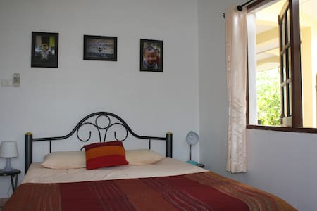 Daisy Homestay Rawai  great location