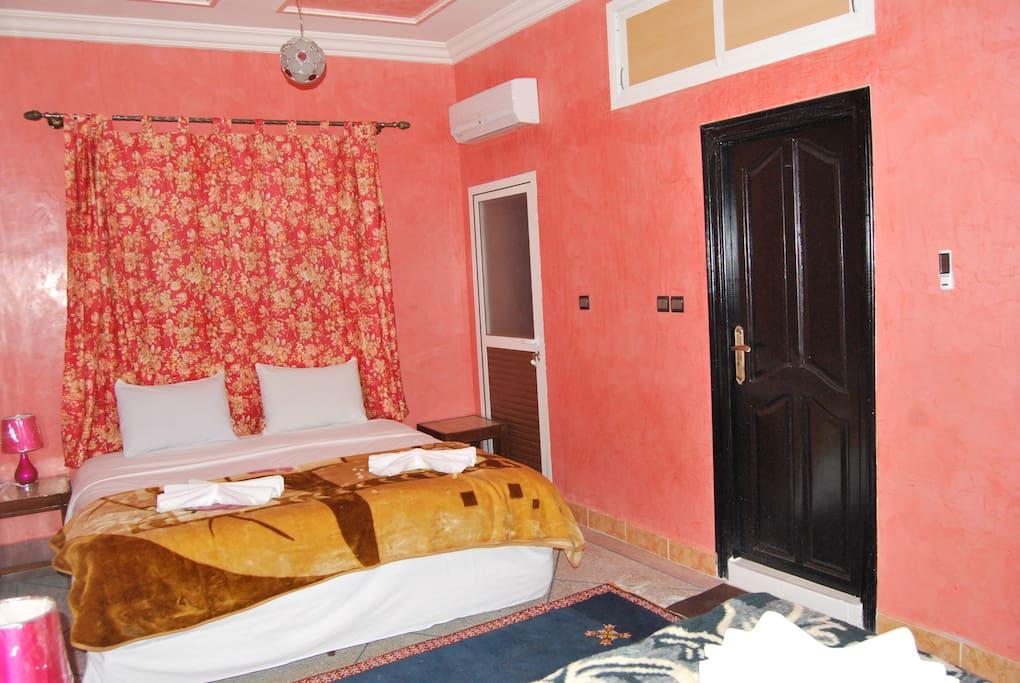 Chambre à Coucher avec Balcon et Sdb