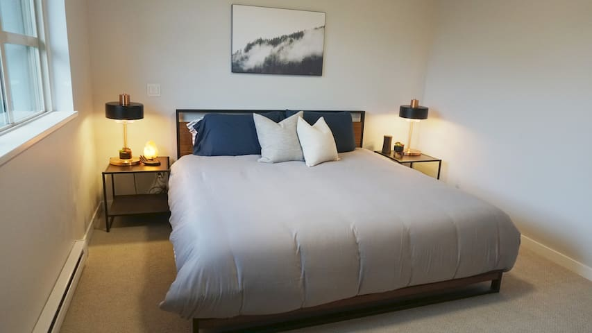 Private master bedroom with ensuite in 3BR home