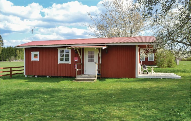 Holiday cottage with 1 bedroom on 42 m² in vimmerby