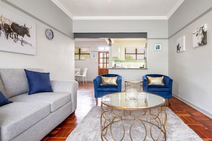 Stylish Executive Apartment- Parkhurst