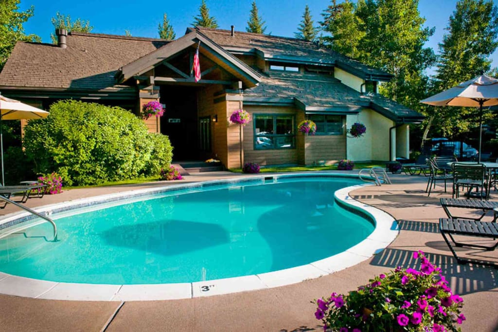 Enjoy the outdoor hot tub and seasonal heated pool in the perfect mountain setting.