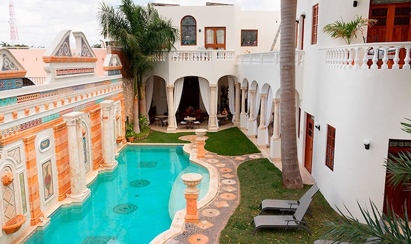 Private Luxury in a Superb Location