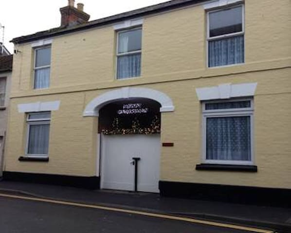2 Bed 1st floor character apartment - Langport - Pis