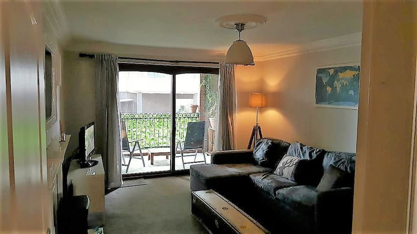 West Bridgford based modern 2 bedroom apartment - West Bridgford - Apartment