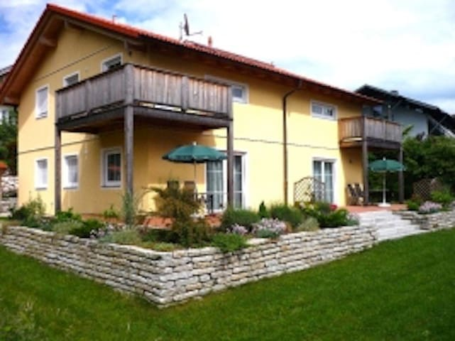 5 Star Apartment: Schlosssee - Bad Endorf - Apartment