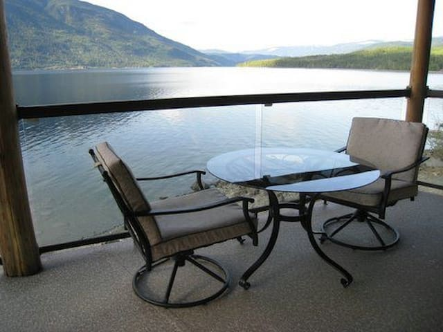 Shuswap Lake Cottage at Eagle Bay - Eagle Bay - Cabane
