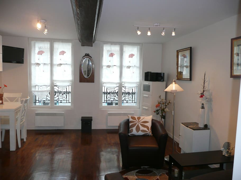 appt meubl ste catherine 2 apartments for rent in honfleur lower normandy france. Black Bedroom Furniture Sets. Home Design Ideas