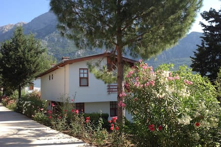 Beycik mountain villa. Turkey. - เคเมอร์