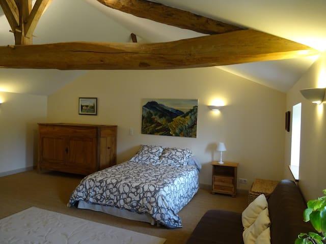 Chambre dans maison de charme - Châteauneuf-sur-Charente - Casa