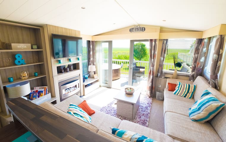 Sea 'n' Stars Platinum+ Holiday Home with Netflix