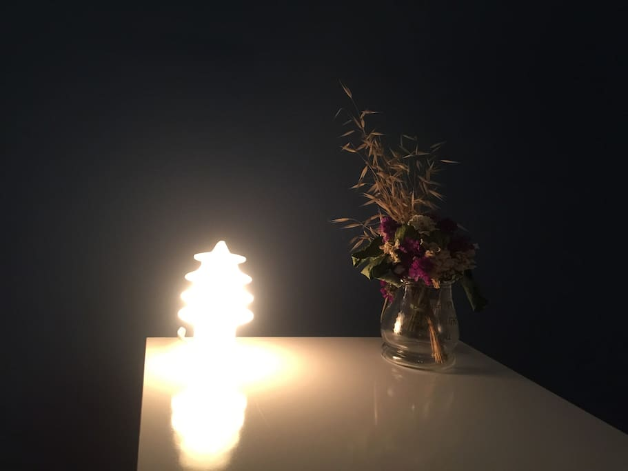 I love lighting and flowers, but if you would no using them, they could be removed on your suggestion