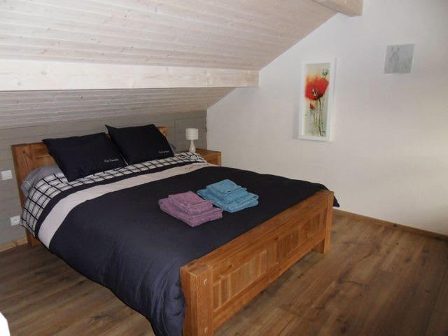 Chambre spacieuse avec salon privé - Thorens-Glières - Bed & Breakfast