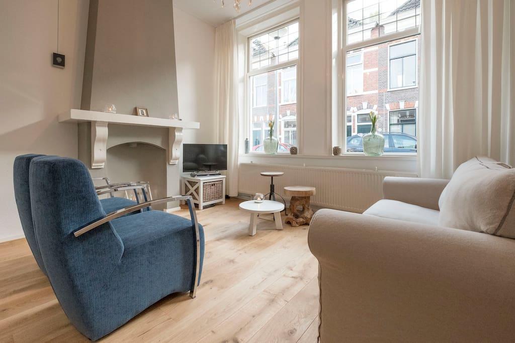 A cosy living room.