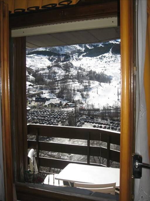 Vistas de las pistas desde la ventana de la habitación doble