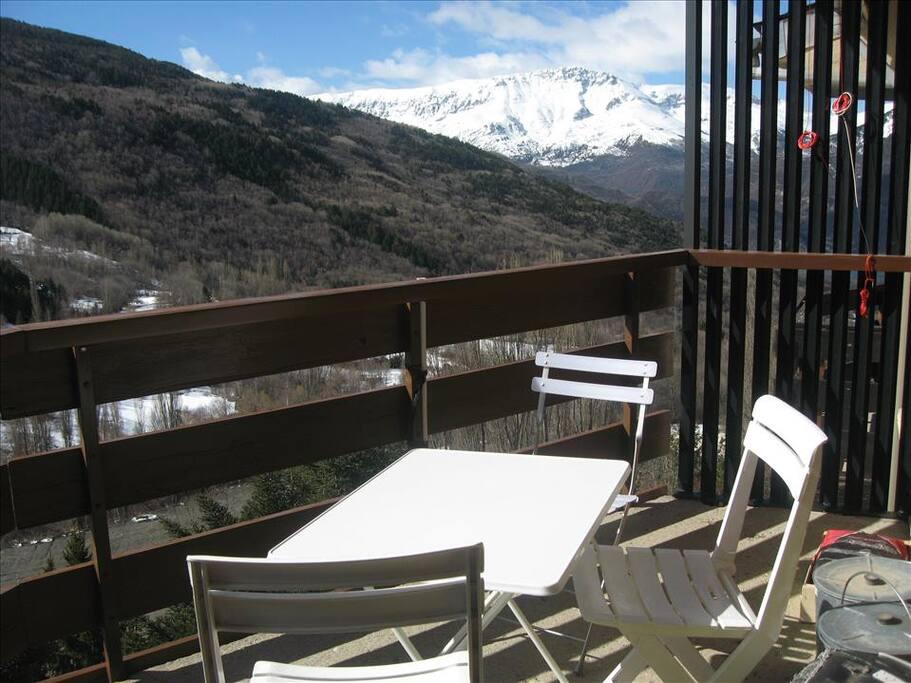 Vistas del valle des de la terraza del apartamento