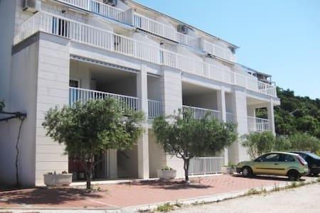 Apartmani Dalmatino - Komarna - Byt