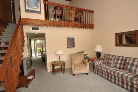 Fairway Villa #604 - Rumbling Bald Resort - Lake Lure - วิลล่า