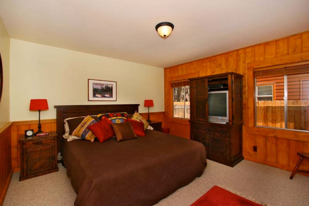 Master Bedroom, Cal-King Bed