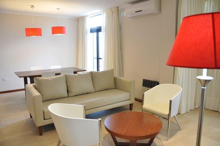 Departamento de 3 ambientes - Colón - Apartament