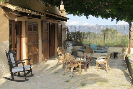 rustikales Ferienhaus auf idyllischer Fincaanlange - Manacor