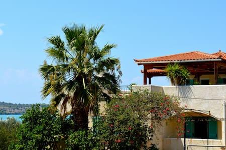 Spacious, seaside, 2 bed apt - Porto Cheli - Wohnung