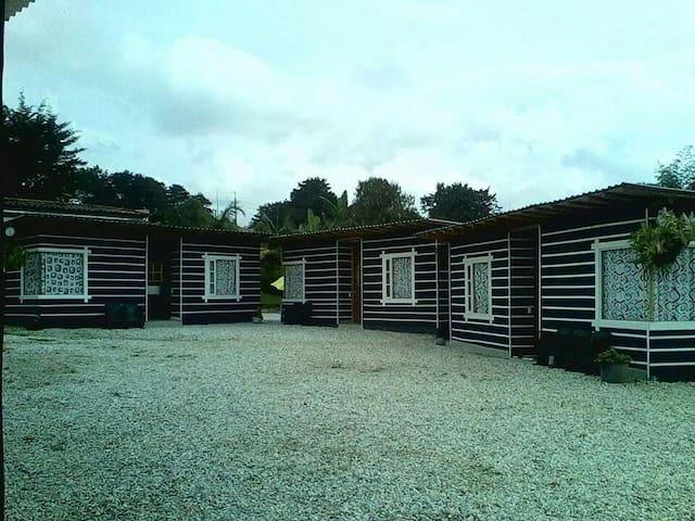 SEBANA habitaciones en cabañas - Guatapé