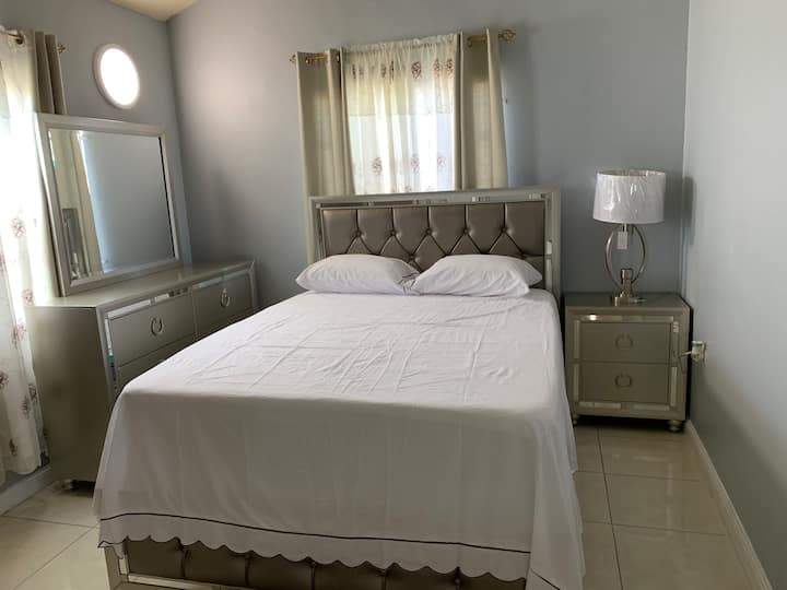 Pure Essence in Phoenix Park Village Portmore