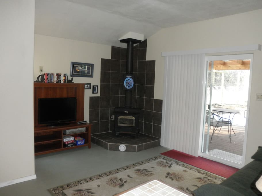 The living space offers wood heat and Direct TV as well as WiFi.