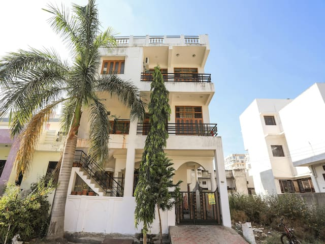 On Sale! Well-Furnished 3BHK OYO Home In Udaipur