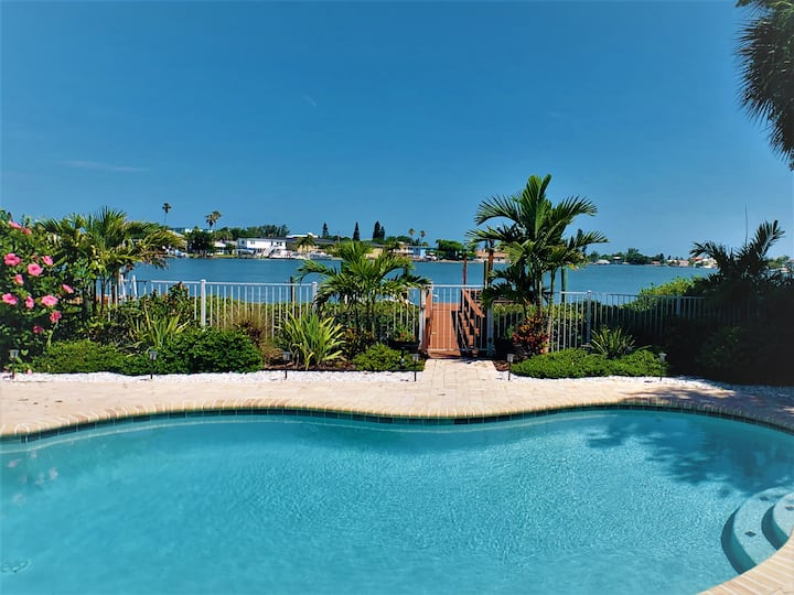 New Listing! Water Front House with the Pool