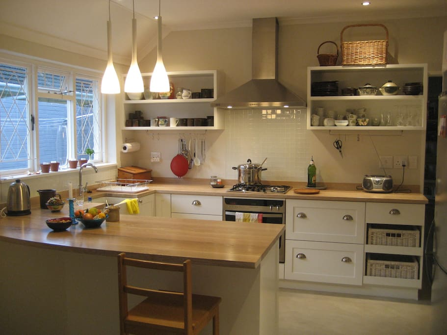 Very well equipped open plan kitchen
