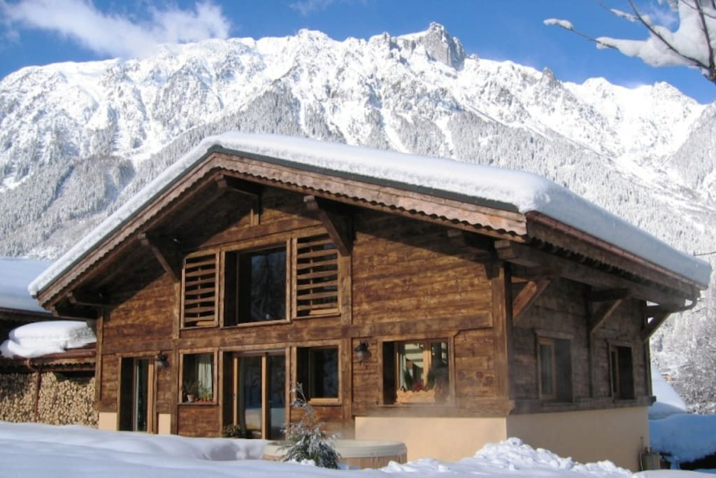 Beautiful Chalet Chimere in winter