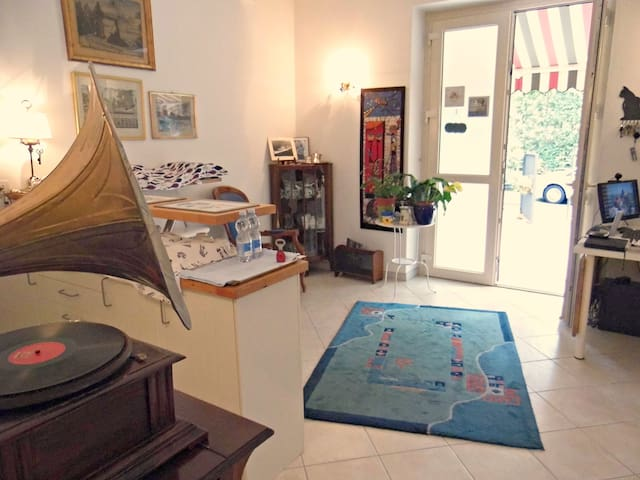 B&B A Due Passi (In Two Steps) - Forte dei Marmi - Bed & Breakfast