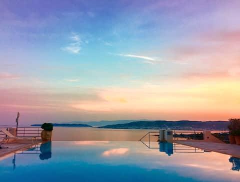 Villa Thalia • Floating Heaven