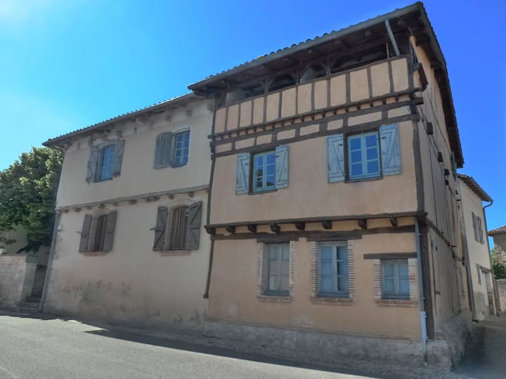 Lovely timbered house in the Quercy