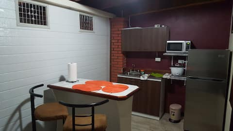 Apartamento Equipad , Cochera adjunta Heredia, CR.