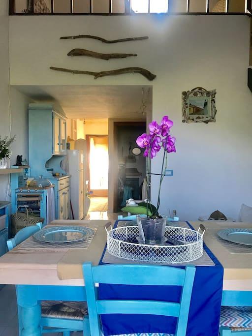 Zona  pranzo/soggiorno  con  cucina