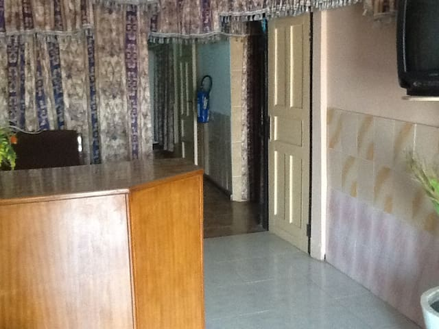 5 nice room accomodation - Accra - House