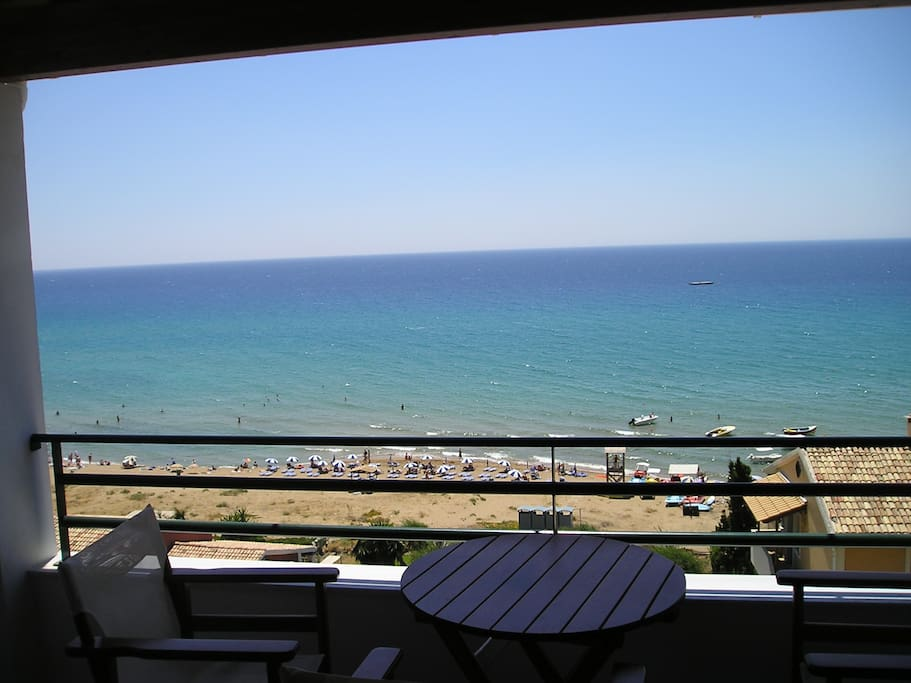 Glyfada beach apartment 2-4 people
