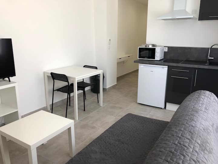 Studio climatisé3, centre ville Perpignan, parking