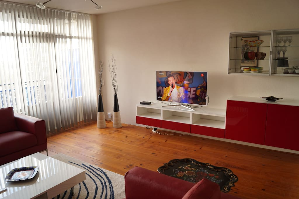 TV/Wall Unit