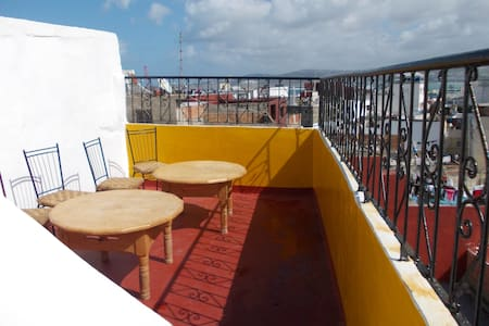 Authentic Medina House + Fab Views - Tanger - Talo
