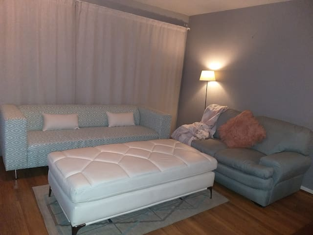 Centrally-Located Unit in Sundowner! (2nd Bed)