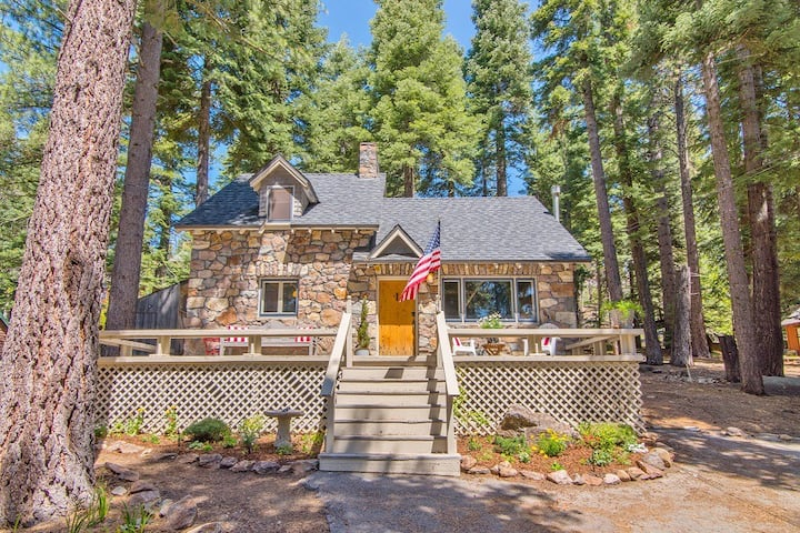 Tahoe Stone Cottage, Tahoe Park Private Beach, Tahoe City, West Shore