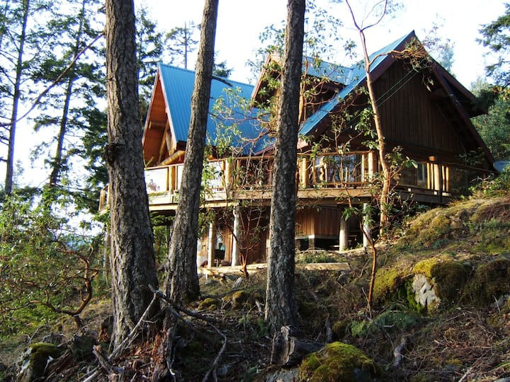 Log Home , spectacular views